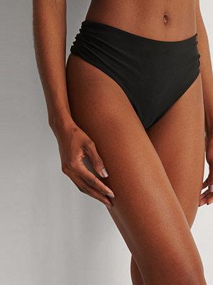 Marije Zuurveld x NA-KD Recycled Bikinitrosa svart