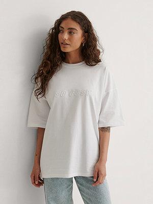 Marije Zuurveld x NA-KD Ekologisk Oversize T-shirt vit