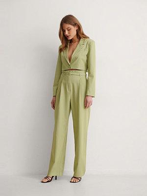 NA-KD Classic Kostymbyxor Med Bälte grön omönstrade