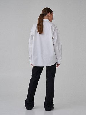 Skjortor - Josefine HJ x NA-KD Ekologisk Oversize Bomullskjorta vit