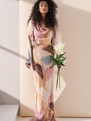 NA-KD ART Maxiklänning Med Utskurna Partier multicolor