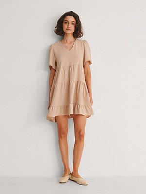 Trendyol V-Ringad Miniklänning beige