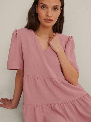 Trendyol V-Ringad Miniklänning rosa