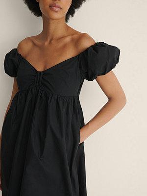 NA-KD Trend Ekologisk Miniklänning Off-shoulder svart