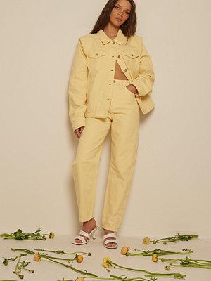 NA-KD Trend Mom-Jeans gul