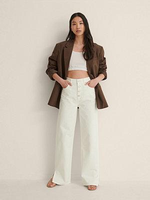 NA-KD Trend Jeans Med Raka Ben Och Slits vit