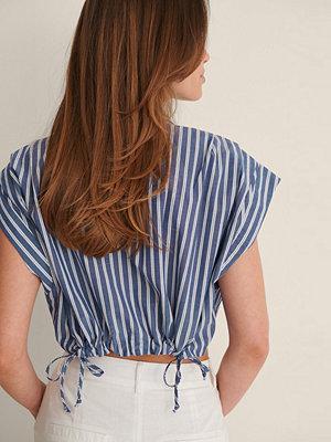 NA-KD Classic Croppad Skjorta blå
