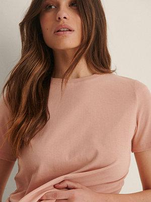 NA-KD Basic T-Shirt I Ekologisk Bomull Med Rund Hals rosa