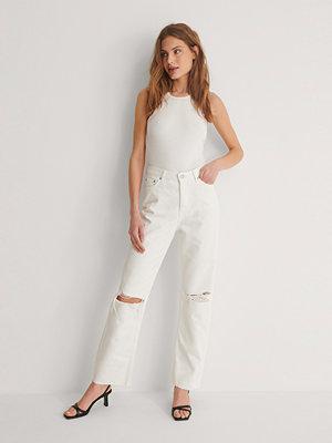 NA-KD Trend Ekologiska Raka Jeans Med Hög Midja Och Slitningar vit