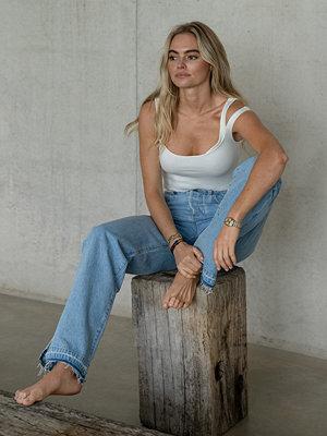 Claire Rose x NA-KD Linne Med Ribbade Detaljer vit