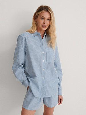 NA-KD Randig Skjorta blå