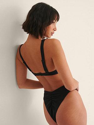 Melissa Bentsen x NA-KD Återvunnen Rynkad Bikinitrosa svart
