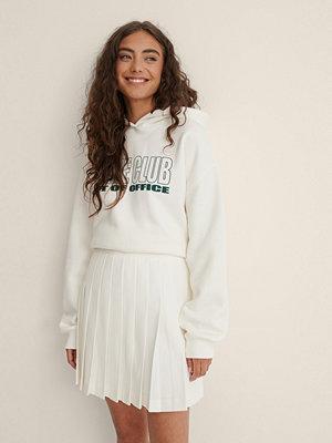 NA-KD Trend Återvunnen Plisserad Tenniskjol I Minilängd vit