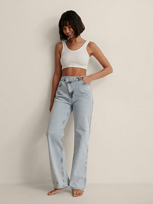 Jeans - NA-KD Trend Ekologiska Jeans Med Assymetrisk Knäppning blå