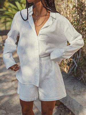 Amaka Hamelijnck x NA-KD Oversized Skjorta Med En Linnekänsla vit