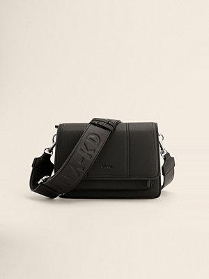 NA-KD Accessories Recycled Crossbody-väska Med Logga svart axelväska