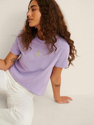 Calvin Klein Organic Monogram Logo Tee lila
