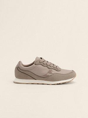 NA-KD Shoes Lättviktiga Träningsskor I Retrostil grå