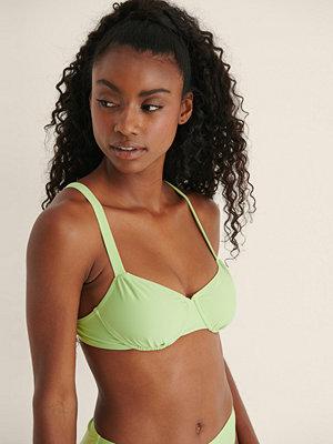 Mimi A.R x NA-KD Recycled, Rynkad Bikini Med En Kupdesign grön