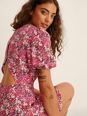 NA-KD Kortärmad Miniklänning Med Öppen Rygg multicolor