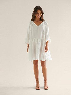 NA-KD Boho Ekologisk miniklänning i bomull vit