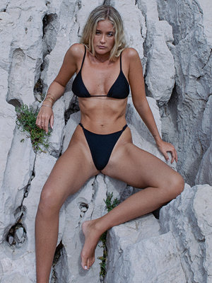 Josefine HJ x NA-KD Recycled Bikinitrosa Med Justerbara Sidoband svart