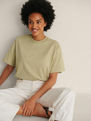 NA-KD Basic Ekologisk Oversize T-shirt Med 3/4-ärm grön