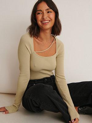 Sofia Coelho x NA-KD Långärmad Topp Med V-Ringning grön