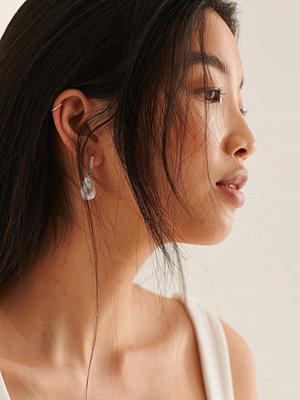 NA-KD Accessories smycke Pärlörhängen Med Strassdetalj guld