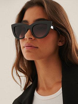NA-KD Accessories Återvunna Chunky Spetsiga Kattögonformade Solglasögon svart