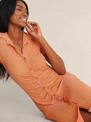 NA-KD Trend Kortärmad Ryschad Klänning orange