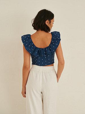 Rianne Meijer x NA-KD Dots Flounce Crop Top blå
