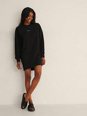 Calvin Klein Micro Branding Crew Neck Dress svart
