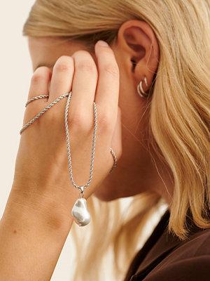 NA-KD Accessories smycke Återvunnet Pärlhalsband Med Vriden Kedja silver