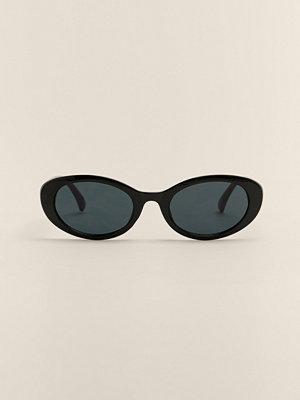 NA-KD Accessories Ovala Cateyesolglasögon svart