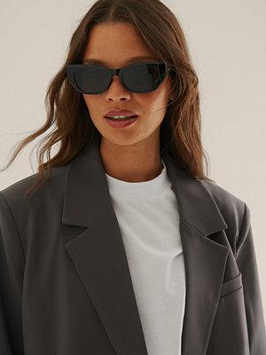 Solglasögon - NA-KD Accessories Cateye-Bågade Solglasögon svart