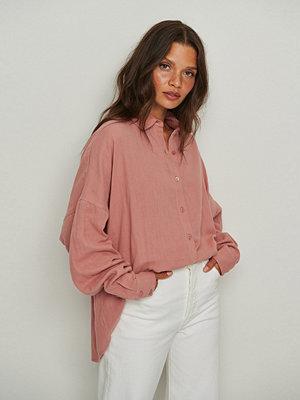 NA-KD Ekologisk Oversize Bomullsskjorta Med Struktur rosa