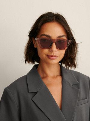 Solglasögon - NA-KD Accessories Återvunna Kattögonformade Solglasögon Med Vass Fyrkantig Båge brun