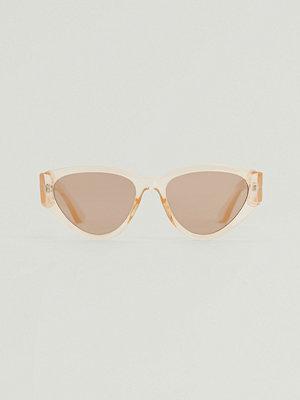 Solglasögon - NA-KD Accessories Solgalsögon Med Droppform Och Rak Kant gul