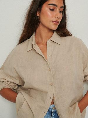 NA-KD Ekologisk Oversize Bomullsskjorta Med Struktur beige