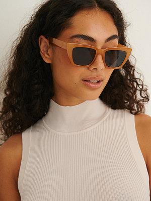 Solglasögon - NA-KD Accessories Återvunna Basic Fyrkantiga Solglasögon brun