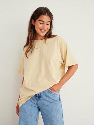 NA-KD Basic Ekologisk Oversize T-Shirt Med Rund Hals beige