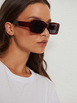Solglasögon - NA-KD Accessories Retrosolgalsögon Med Breda Bågar röd