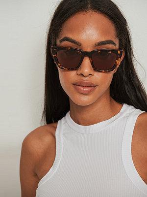 Solglasögon - NA-KD Accessories Basic Squared Acetate Sunglasses brun