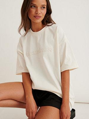 Marije Zuurveld x NA-KD Ekologisk Oversized T-shirt I Kraftig Bomull offvit