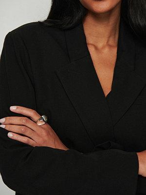 NA-KD Accessories smycke Chunky glasring vit