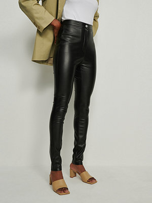 Leggings & tights - NA-KD PU-leggings svart