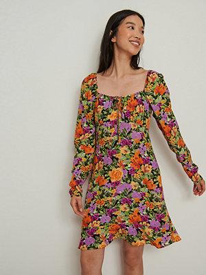 NA-KD Miniklänning med knyt fram multicolor