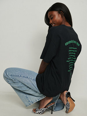 NA-KD Trend Ekologisk oversize t-shirt grå