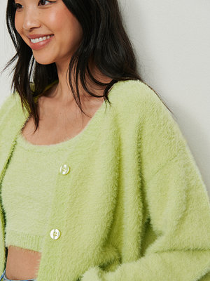 NA-KD Trend Luddig stickad croppad tröja grön